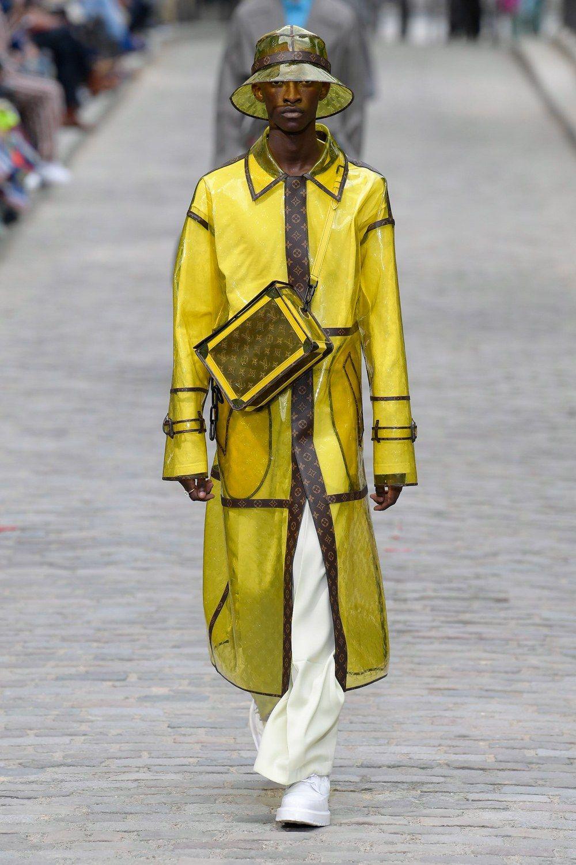 https___hypebeast.com_image_2019_06_louis-vuitton-men-spring-summer-2020-paris-fashion-week-runway-show-27.jpg