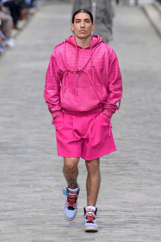 https___hypebeast.com_image_2019_06_louis-vuitton-men-spring-summer-2020-paris-fashion-week-runway-show-22.jpg