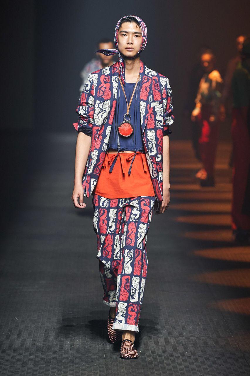 https___hypebeast.com_image_2019_06_kenzo-spring-summer-2020-mens-runway-show-paris-fashion-week-18.jpg
