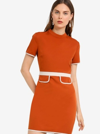△ Zalora Crew Neck Sheath Dress  HK$183