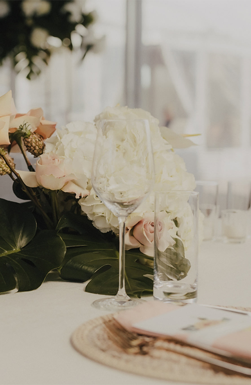 AIMEE-CREDIN---Wedding-Floral_0003s_0001_7.png