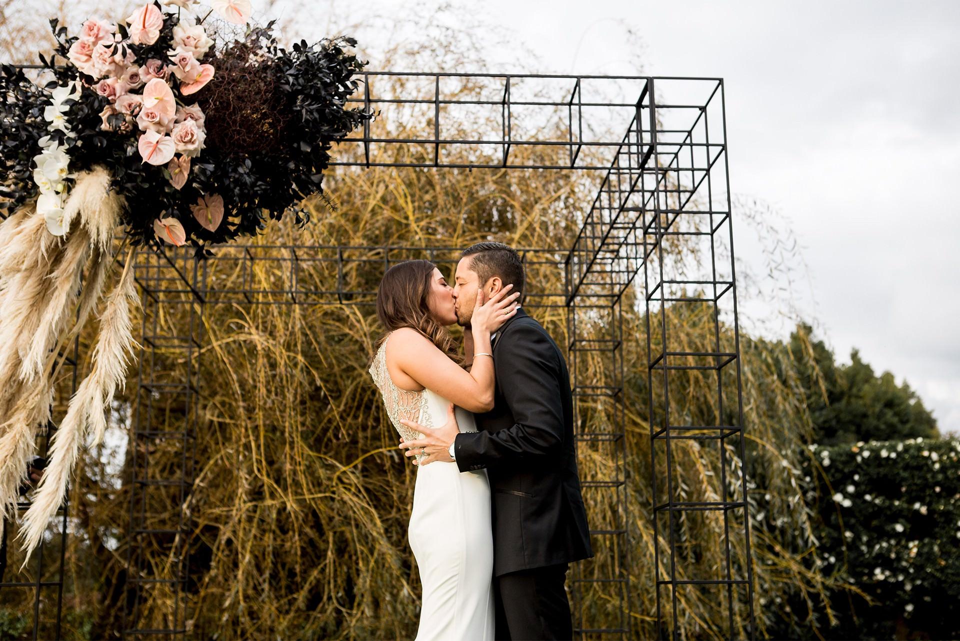 KARY-+-JADE--Wedding-Floral_0002s_0000_3.jpg
