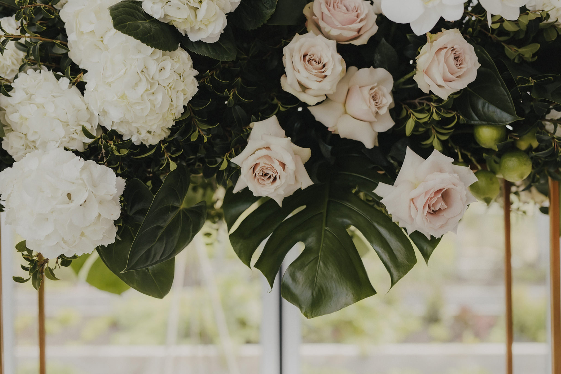 AIMEE-CREDIN---Wedding-Floral_0004s_0000_8.png