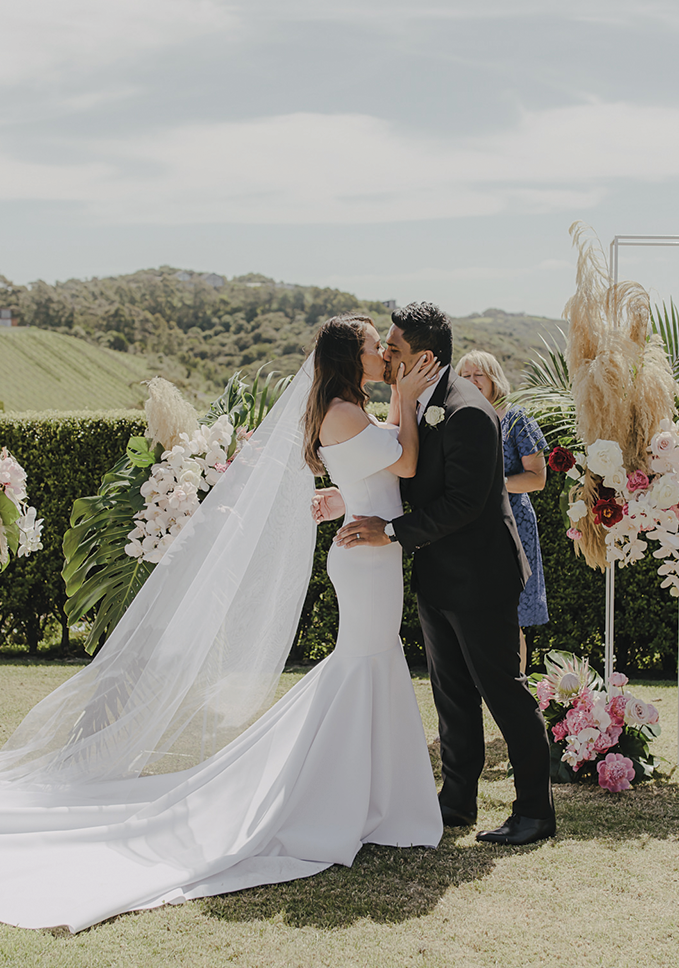 hannah and ben. LOVE YOURSELF A LITTLE BIT OF THE ROMANTIC BOHO VIBE? US TOO. -