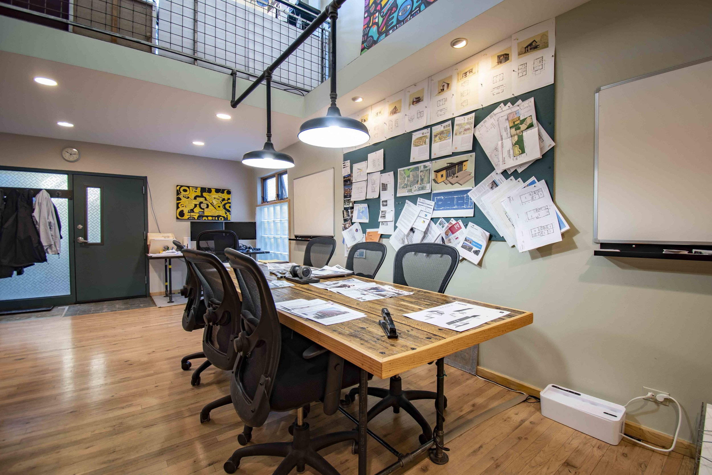 WORk/LIVE SPACES - What is it that makes the work/live lifestyle so appealing? Look through our list of spaces and see what makes them unlike any others.