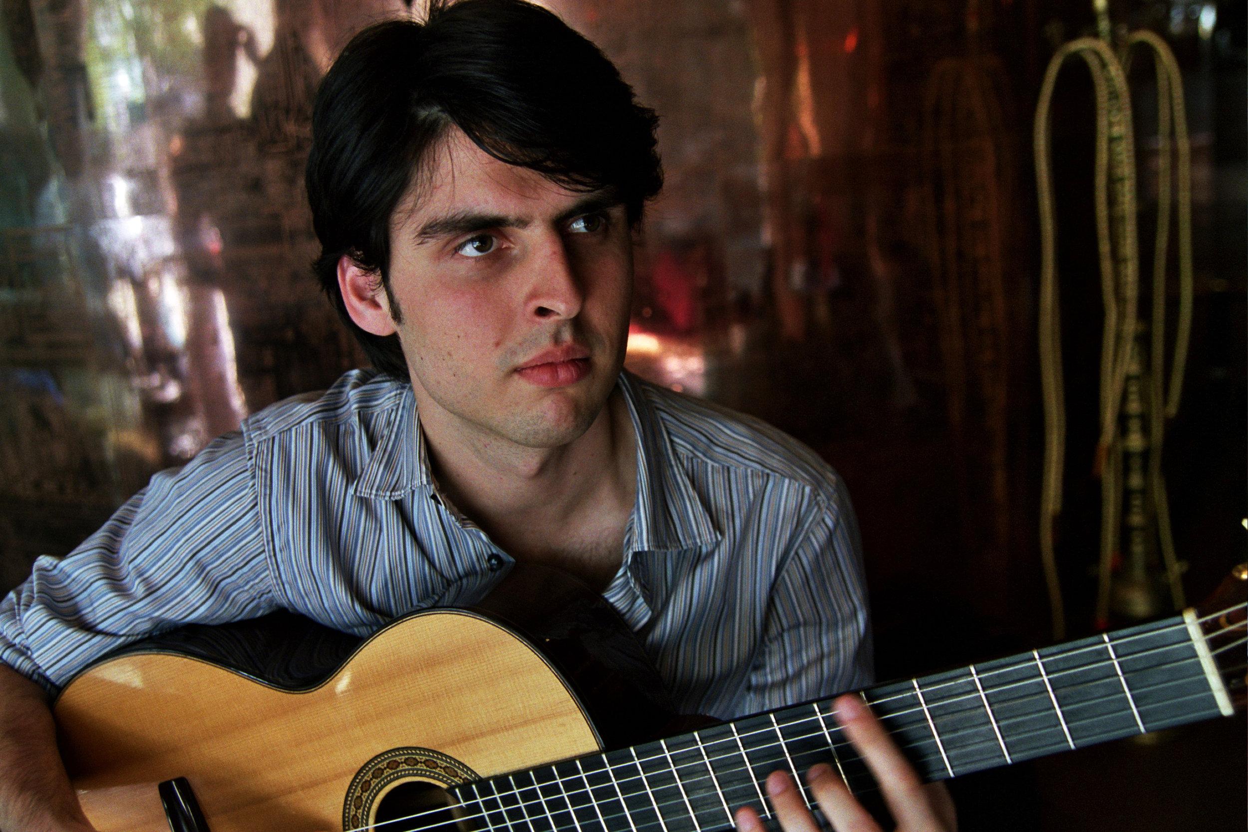 LGrigoryan w guitar 2 2007.jpg