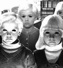 Mummy mummy, someone put photoshop in our eyes! image:illuminutti