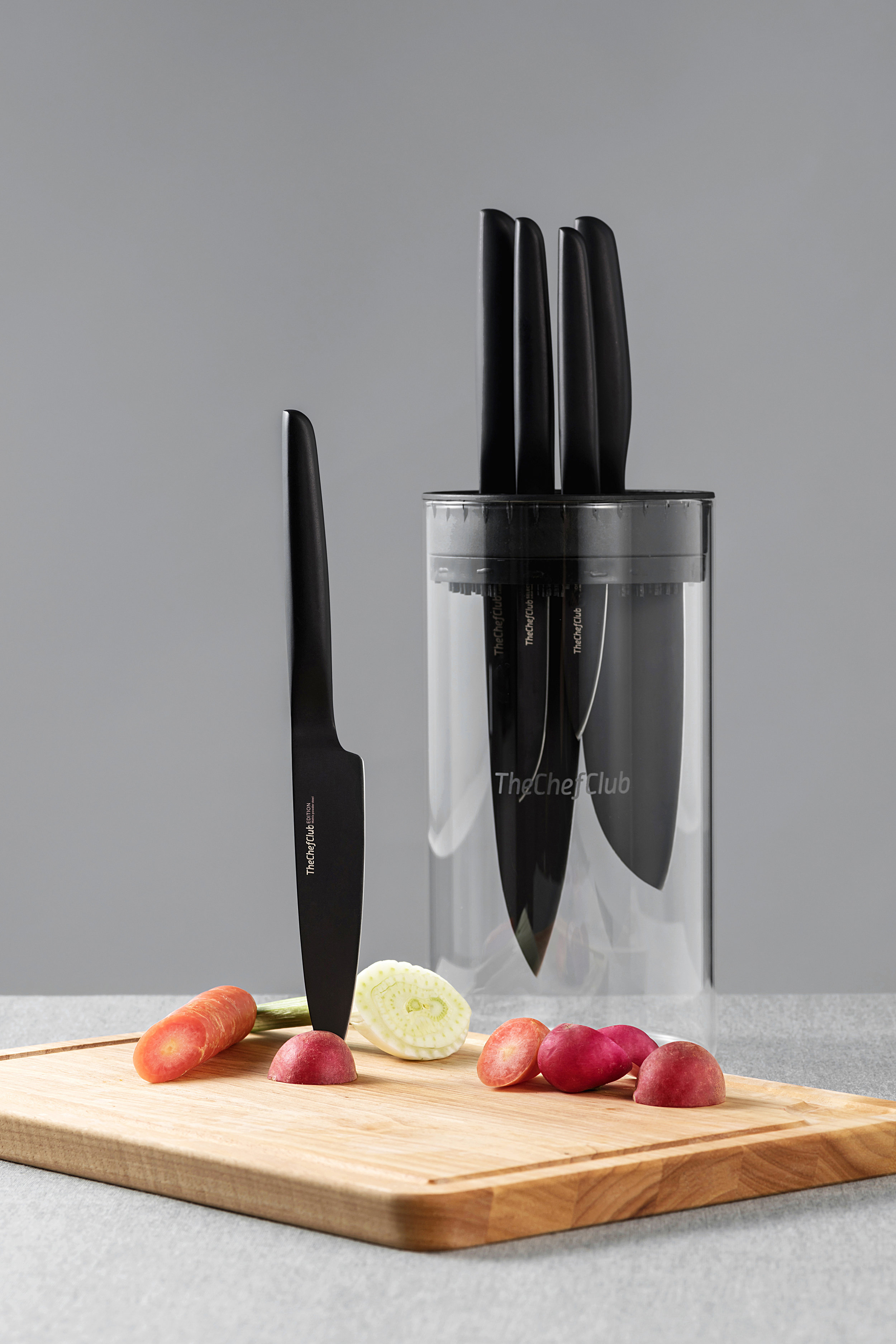 A statement of style - The Jar is a game changer for knife storage in every possible way, stylish, convenient, dishwasher-safe, holds up to 8 pieces of TheChefClub knives,