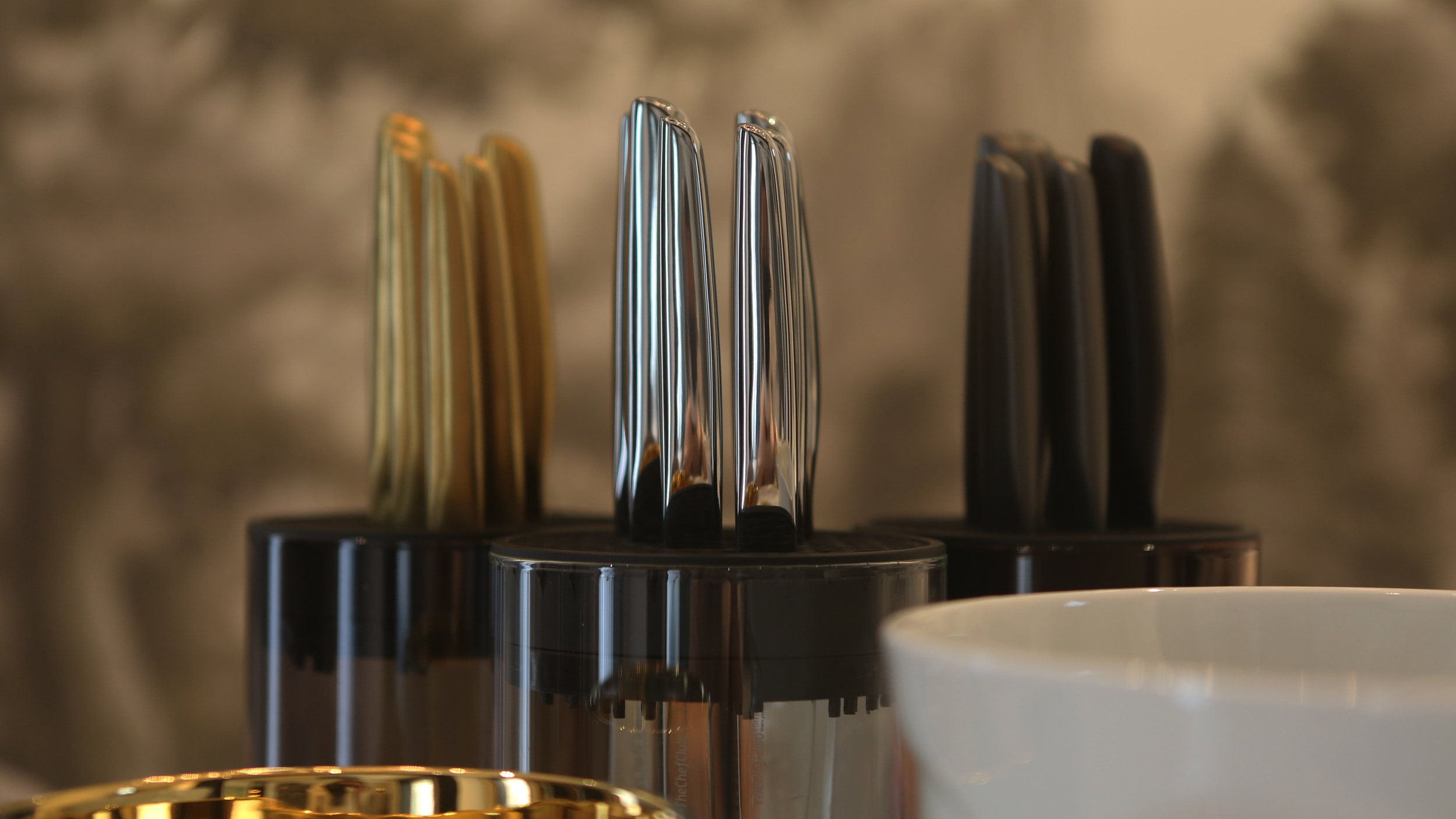 Modern & intuitive - Adding creativity, fun & style to your cooking and kitchen.