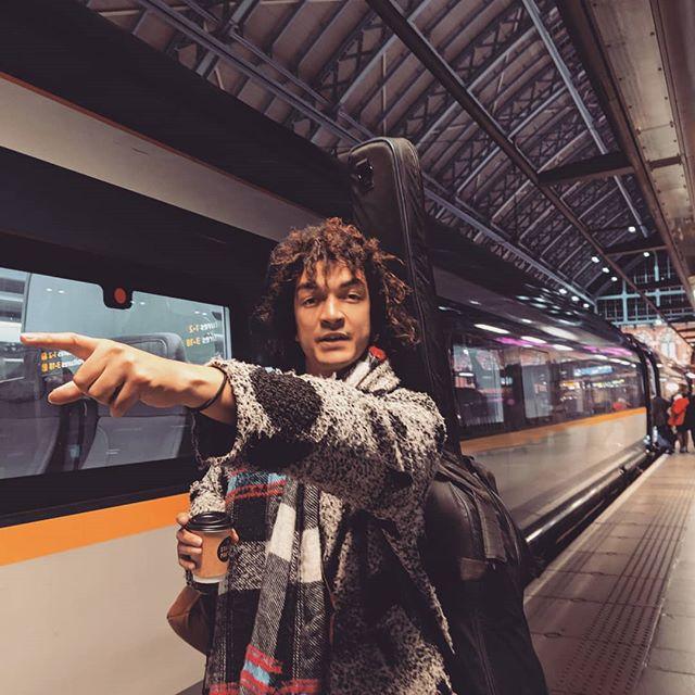 Paris bound X 📸: @annelaurelacan