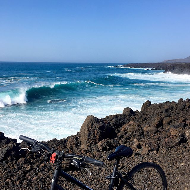 On the road. Freedom. Green lakes. And black beaches. . . .  #lanzarote #elgolfo #lagoverde #cycling #cyclingadventures #cyclinglife #vitaminsea #unlimitedparadise #oceanvibes #oceanbreeze #ocean #findyourbeach #seeksimplicity #natureaddict #awesomeearth #nature_seekers #naturesbeauty #oceantherapy #oceanlove #lovetheocean #onlygoodvibes #positiveenergy #instatravel #exploringtheglobe #travel #keepexploring #travelphotography #girlsjustwannatravel #sheisnotlost #musicianlife