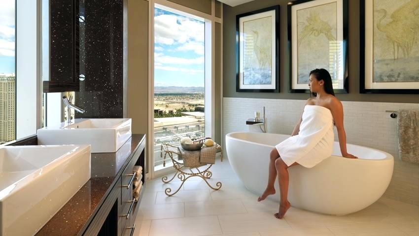 bath woman.jpg