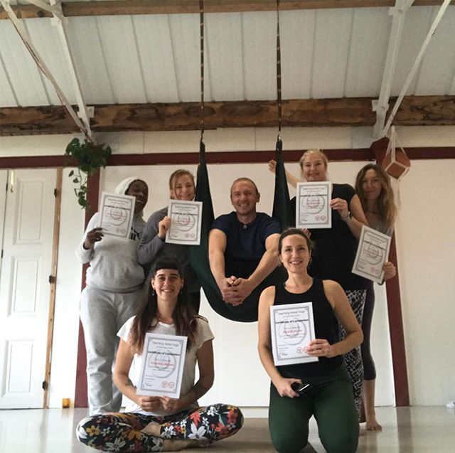 Another awesome few days with @aerial.yoga.london learning some more fun and tricks in the aerial hammock. . Come and join a class to find out more! (And if you're one of those people who are worried about being too acrobatic for you: it doesn't need to be, but you may just surprise yourself 😉) . #aerialyogastanfordinthevale #aerialyogafaringdon #aerialyogawantage #gardenstudiostanford
