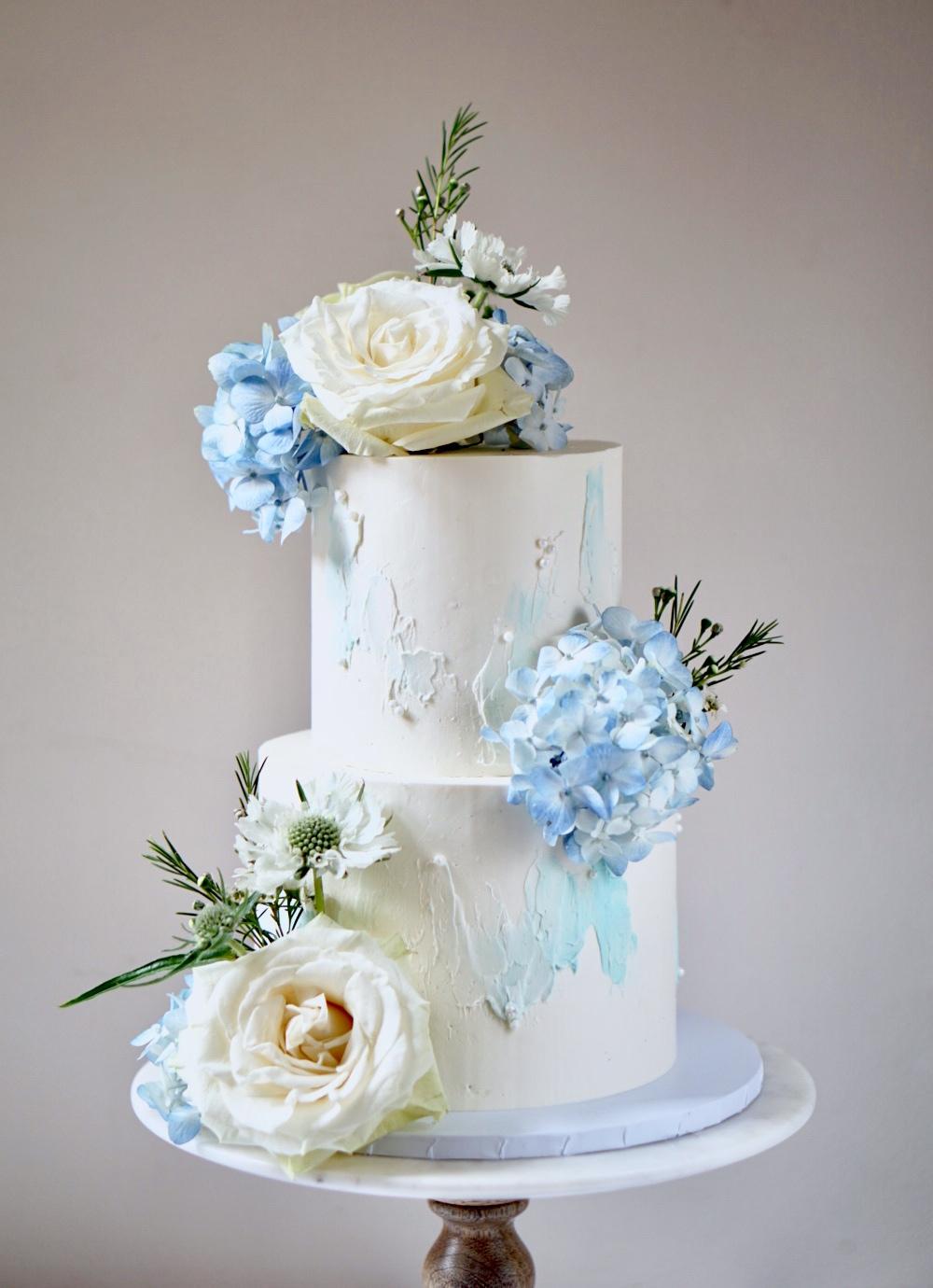 Blue and white modern wedding cake