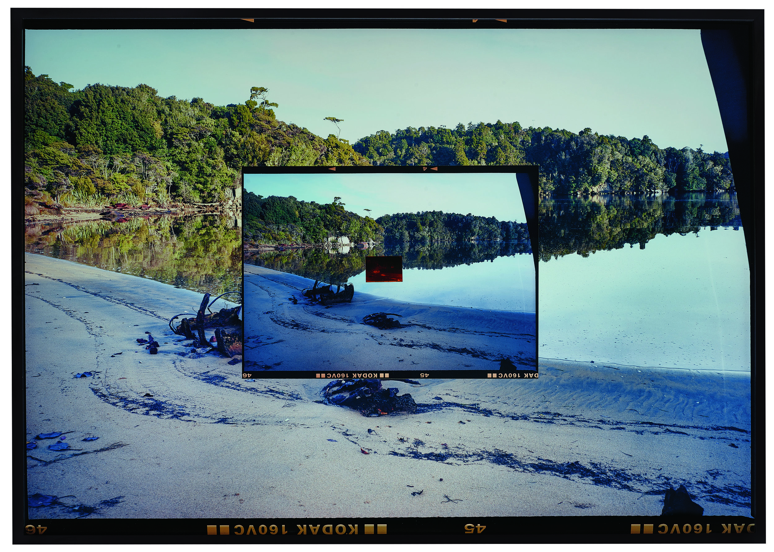 KODAK (Double Shell), 2004/2017 - Chromogenic print on matt and gloss Kodak Endura paper, 160 VC Kodak negative146 x 182 cmunique