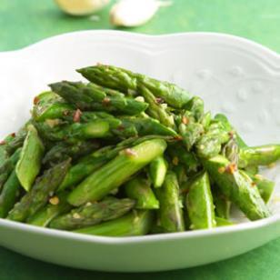 Baby-Spinach-Salad-with-Raspberry-Vinaigrette.jpg