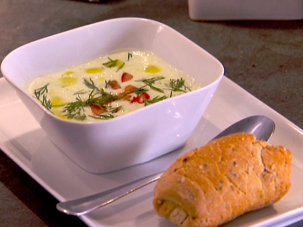 Hearty_Tomato_Soup_with_Lemon_and_Rosemary.jpg