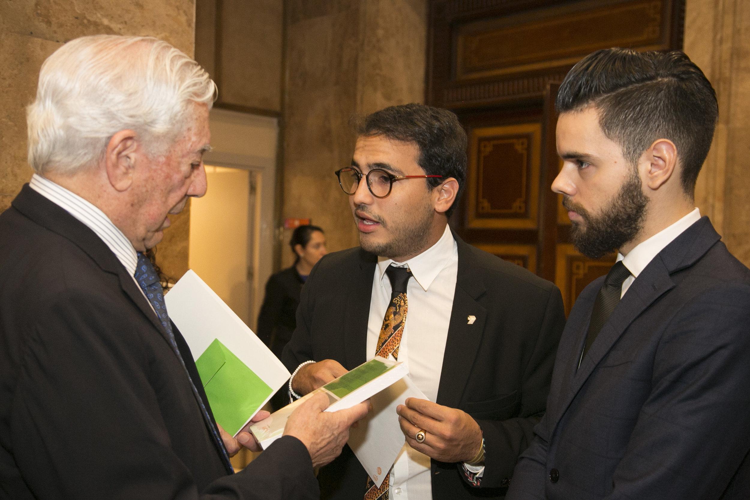 Encuentro con Vargas Llosa  HD05.jpg