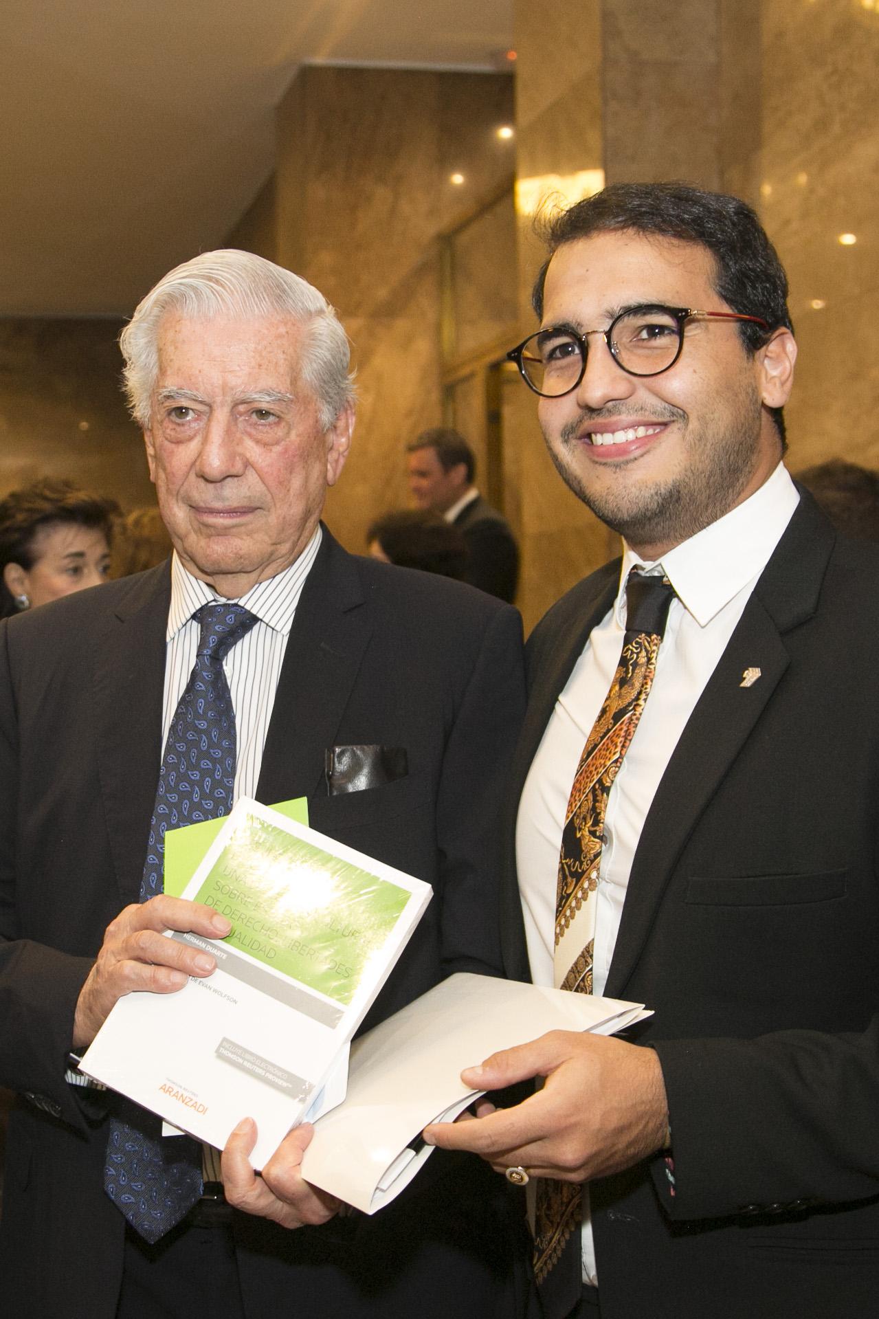Encuentro con Vargas Llosa  HD23.jpg