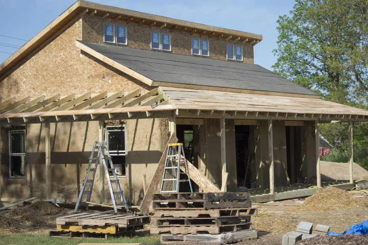 UM students build sustainable straw-bale house at Campus Farm - The Michigan Daily