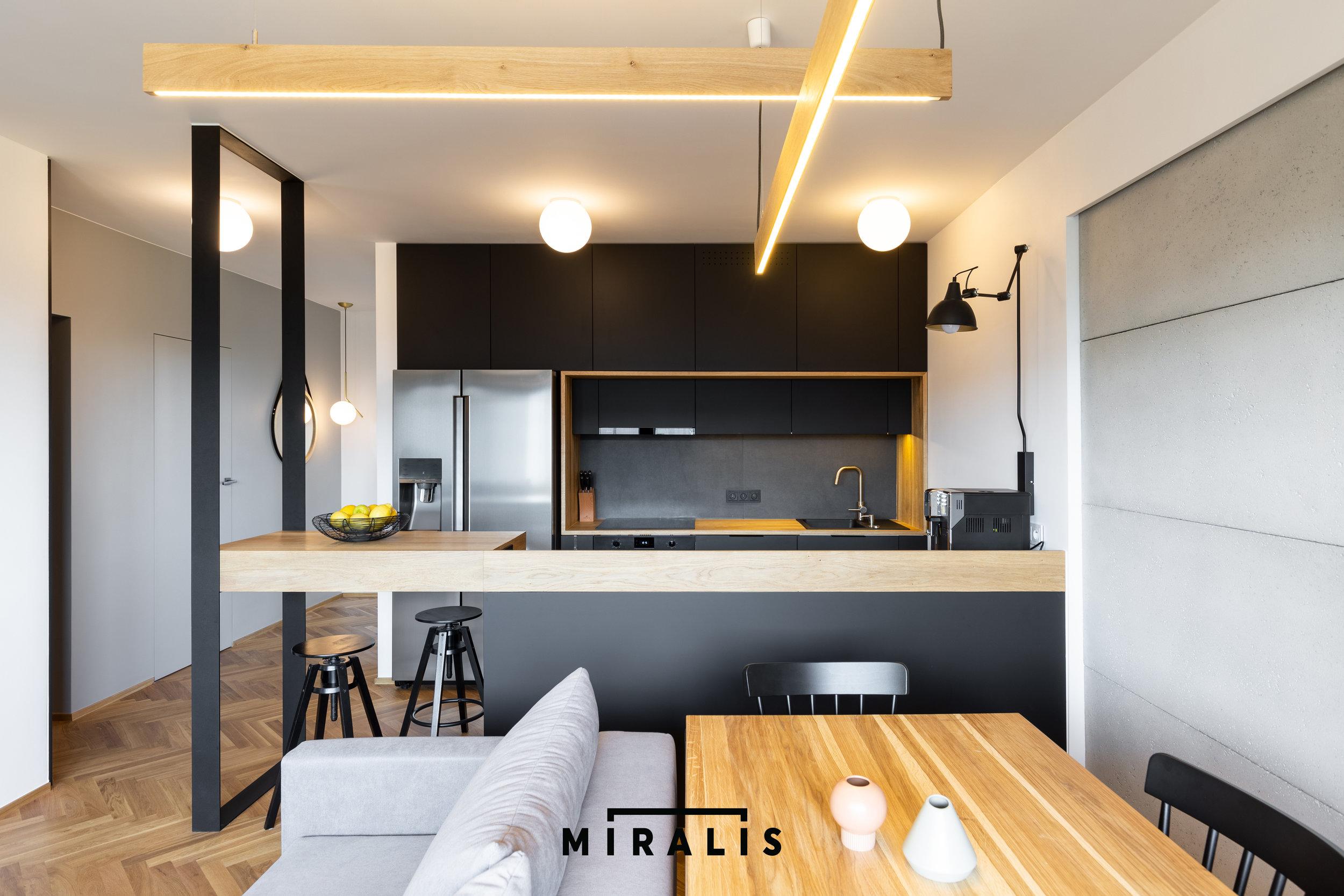 Miralis_01.jpg