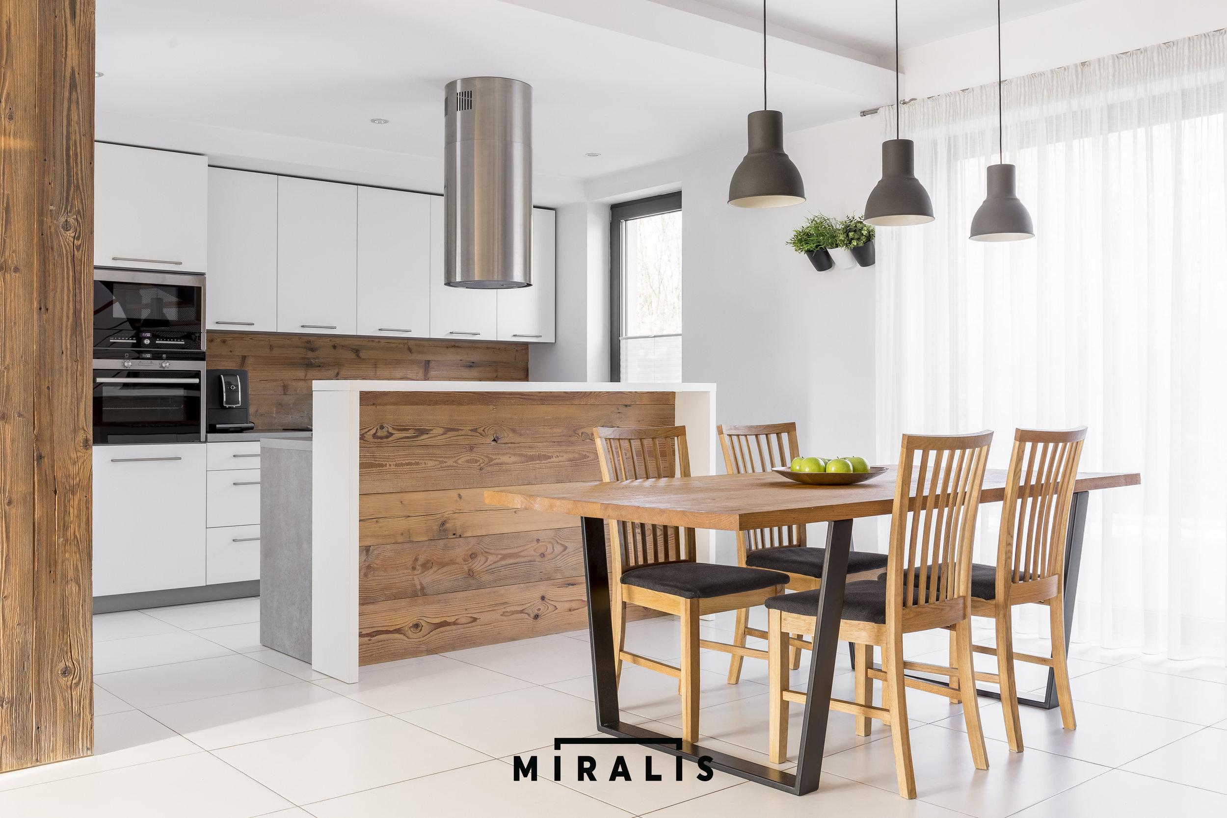Miralis_15.jpg