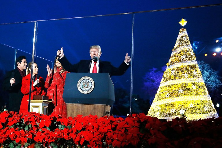 trump-white-house-christmas-tree.jpg