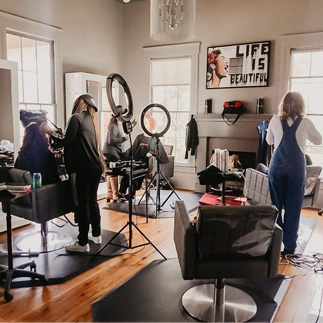 We're super excited to serve you guys today and make you look stunning for that Saturday night dinner plan ✨ few spots available today with select services and stylists! Click the link in the bio to see our availability 🖥 - - 📸 by @madabouttela