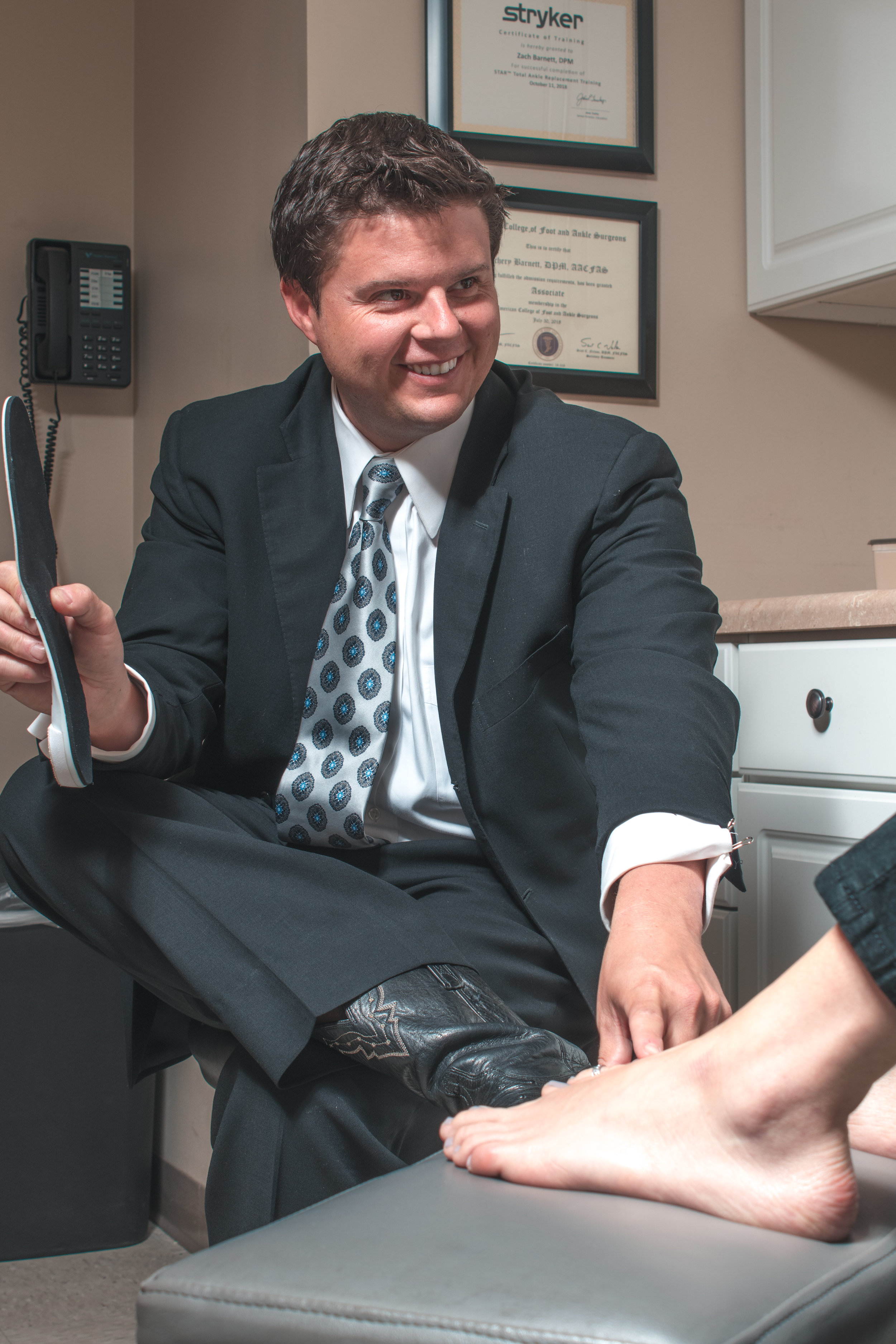 biomechanical analysis for foot, heel, lower back, hips and knee pain relief by podiatrists in tampa fl