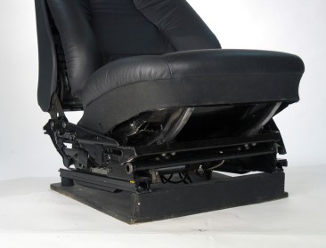 Model 400 Underseat.jpg