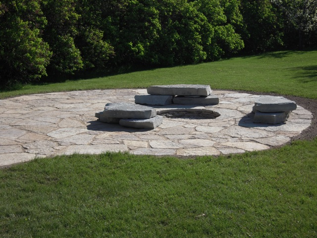 Patio with Built-in Fire Pit.jpg
