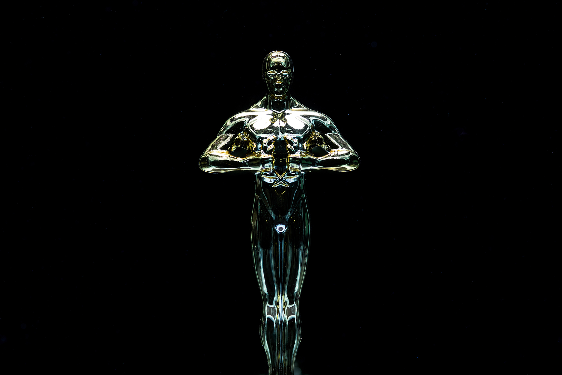 gold oscar like art-award-close-up-2098604.jpg