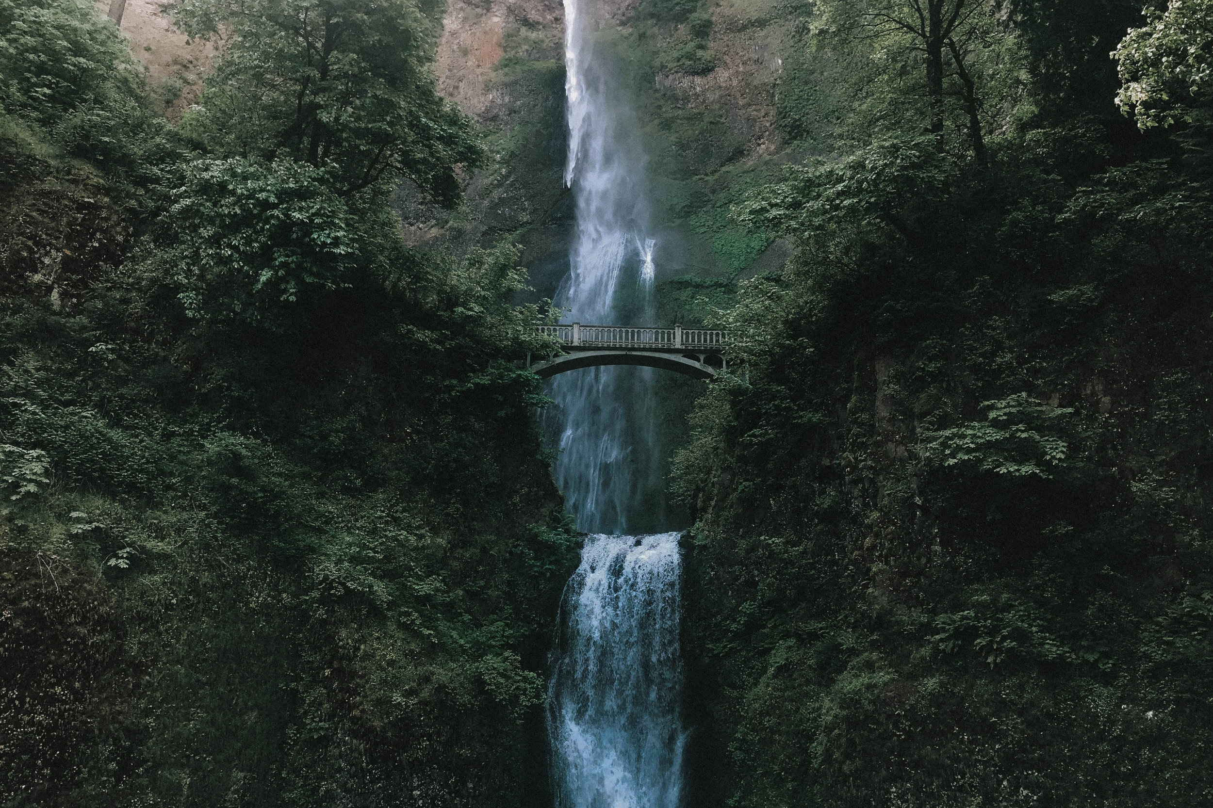 MULTNOMAH FALLS - Multnomah Falls is Oregon's tallest waterfall at 620 feet and one of the state's top natural landmarks and attractions.