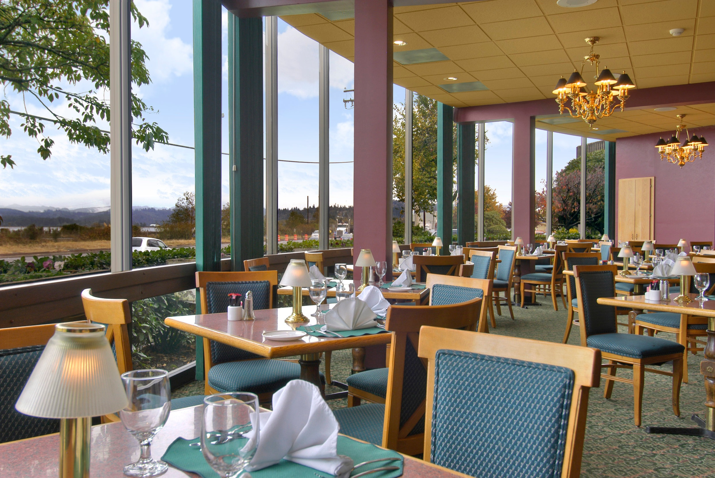Red Lion Hotel - Coos Bay -