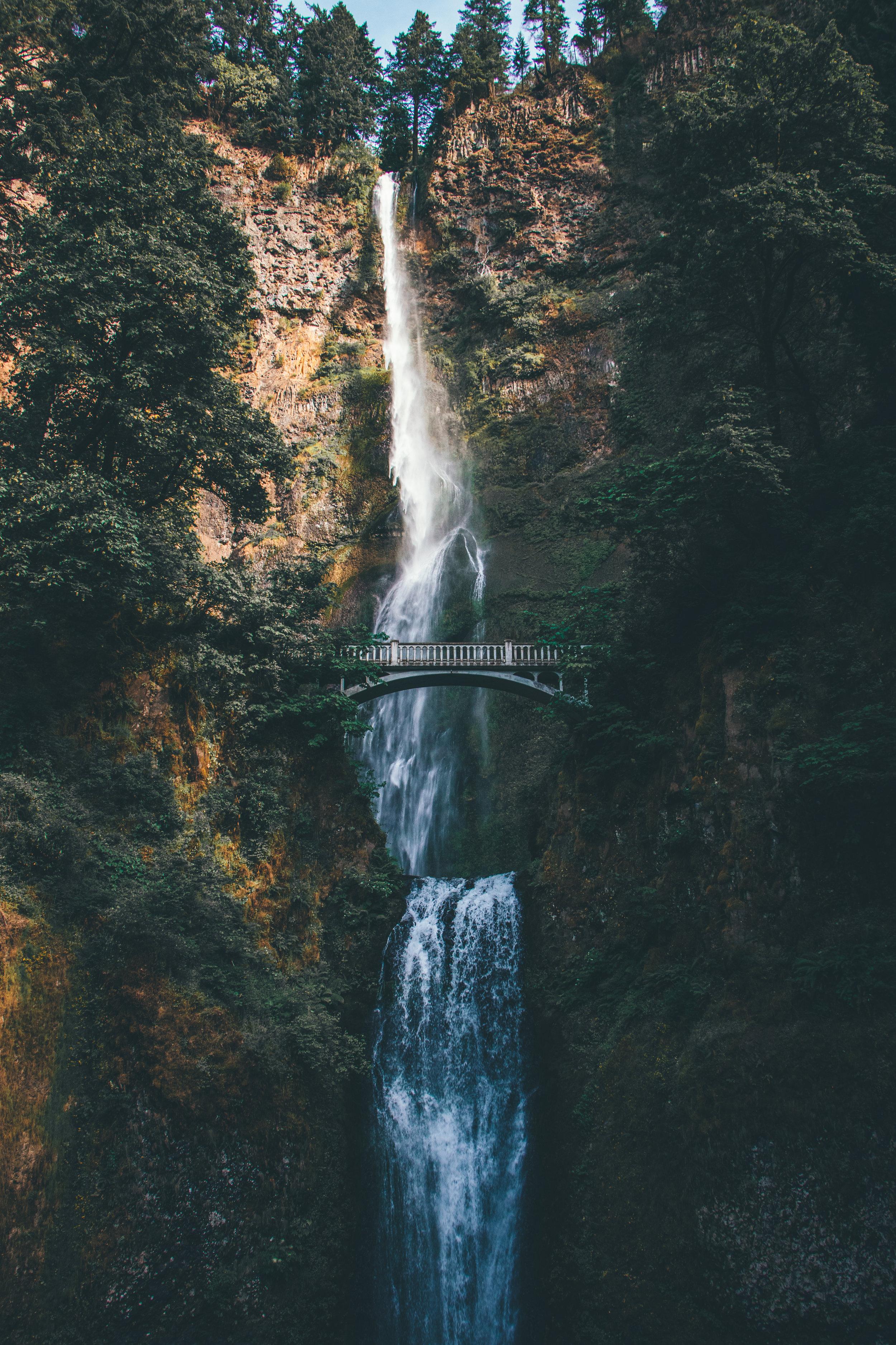 Multnomah Falls - Travel Guide