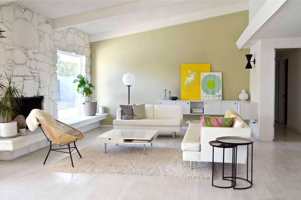 palm springs airbnb vintage 4.jpg