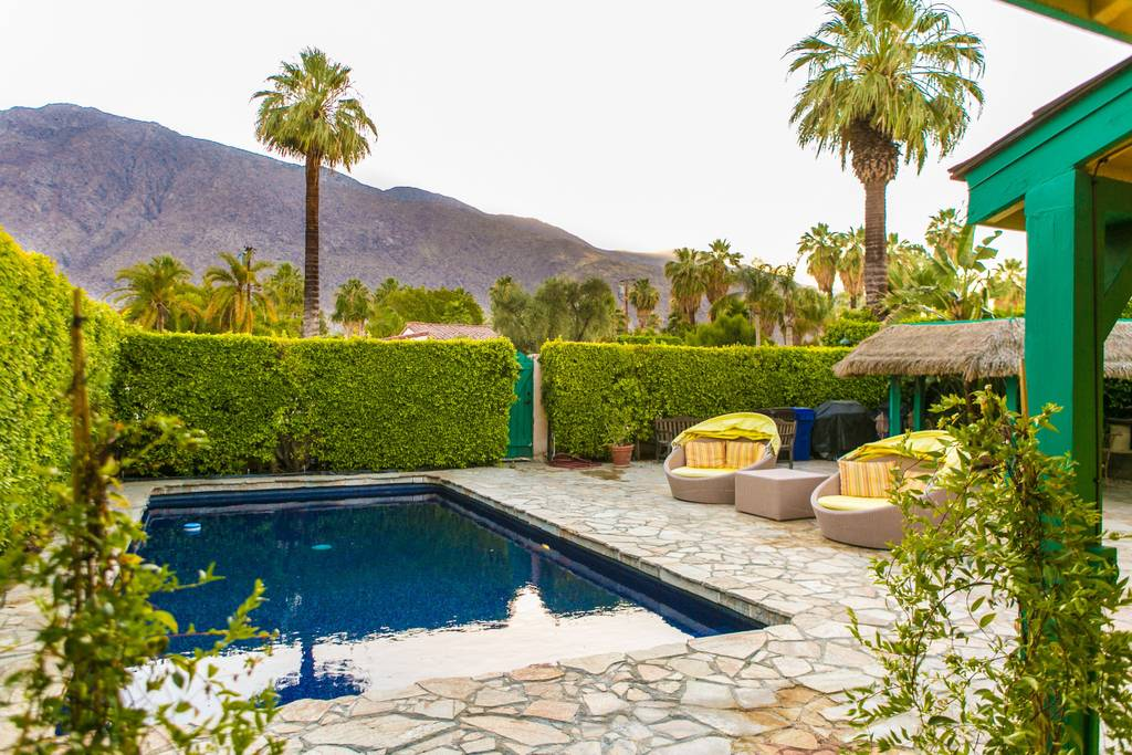 Best Palm Springs Airbnb's