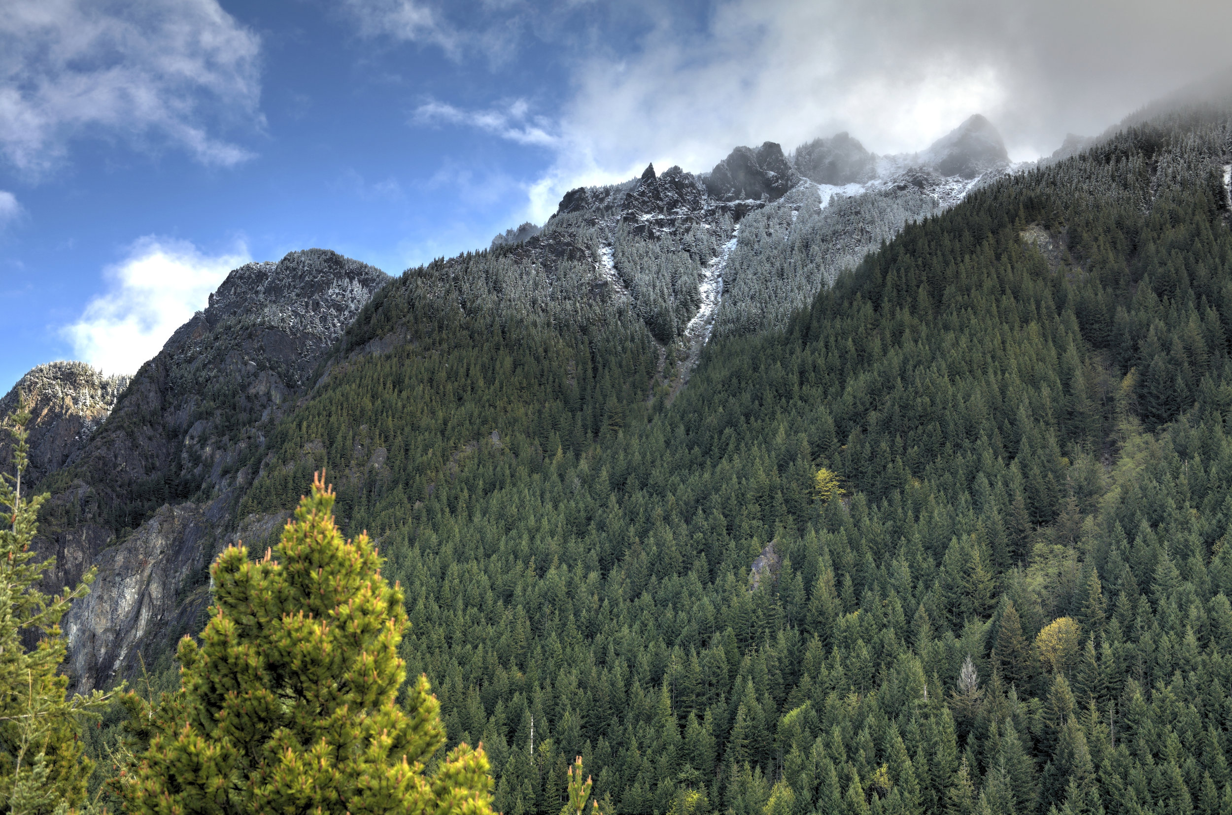 - BEST HIKING TRAILS NEARBY