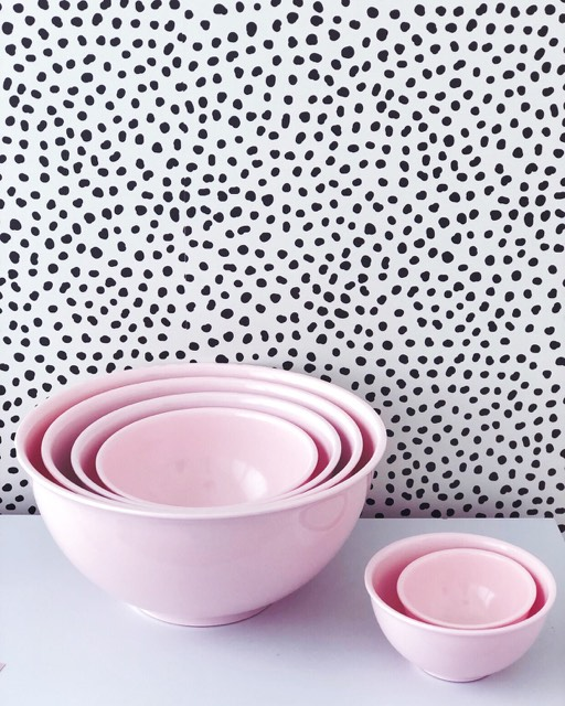 Williams Sonoma Melamine Mixing Bowls with lids