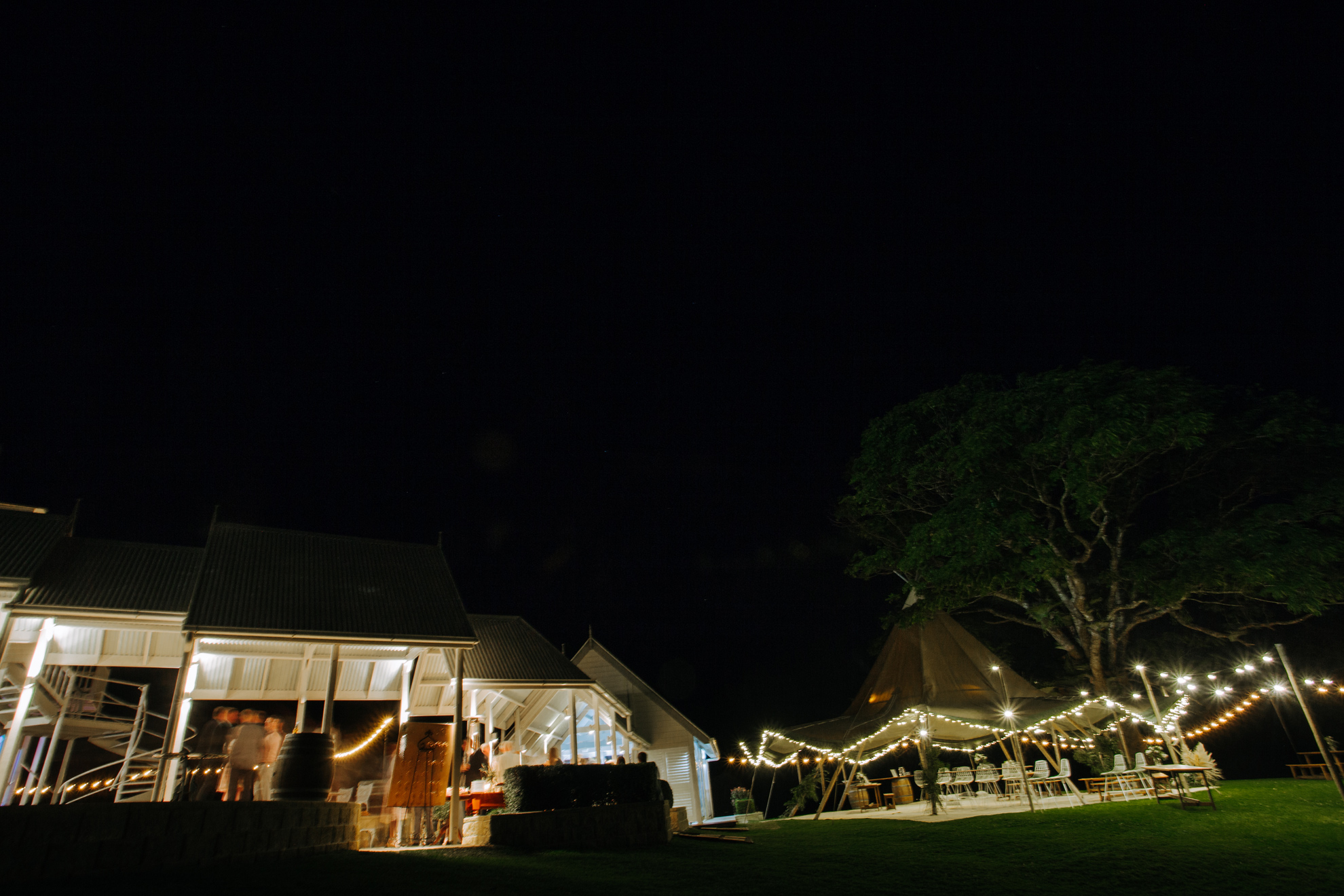112-Kirby_Lewis_Maleny_Manor_Wedding.jpg