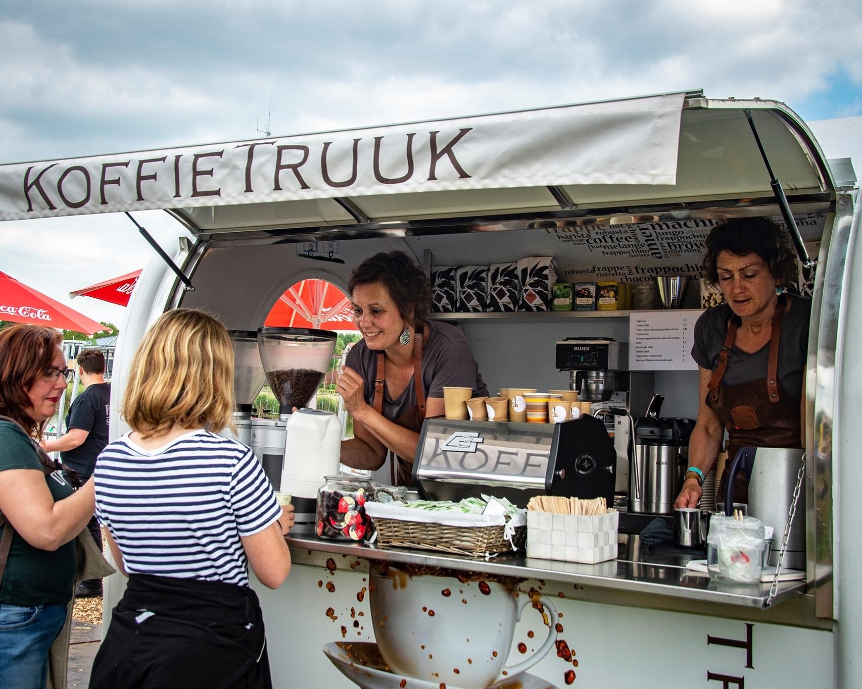 koffietruck op locatie barista op locatie te huur te boeken zeeland