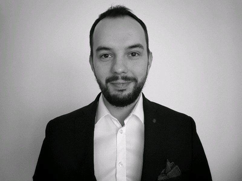 About Me - Find out where my passion and expertise for blockchain come from.