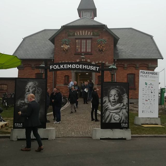 👏@folkemoedet_official has gotten a new house and a meeting place for democracy 👏 We celebrate its opening and the beginning of the democracy festivals season!  #folkemødet #bornholm #allinge #democracyfestivalsassociation #democracyfestivals