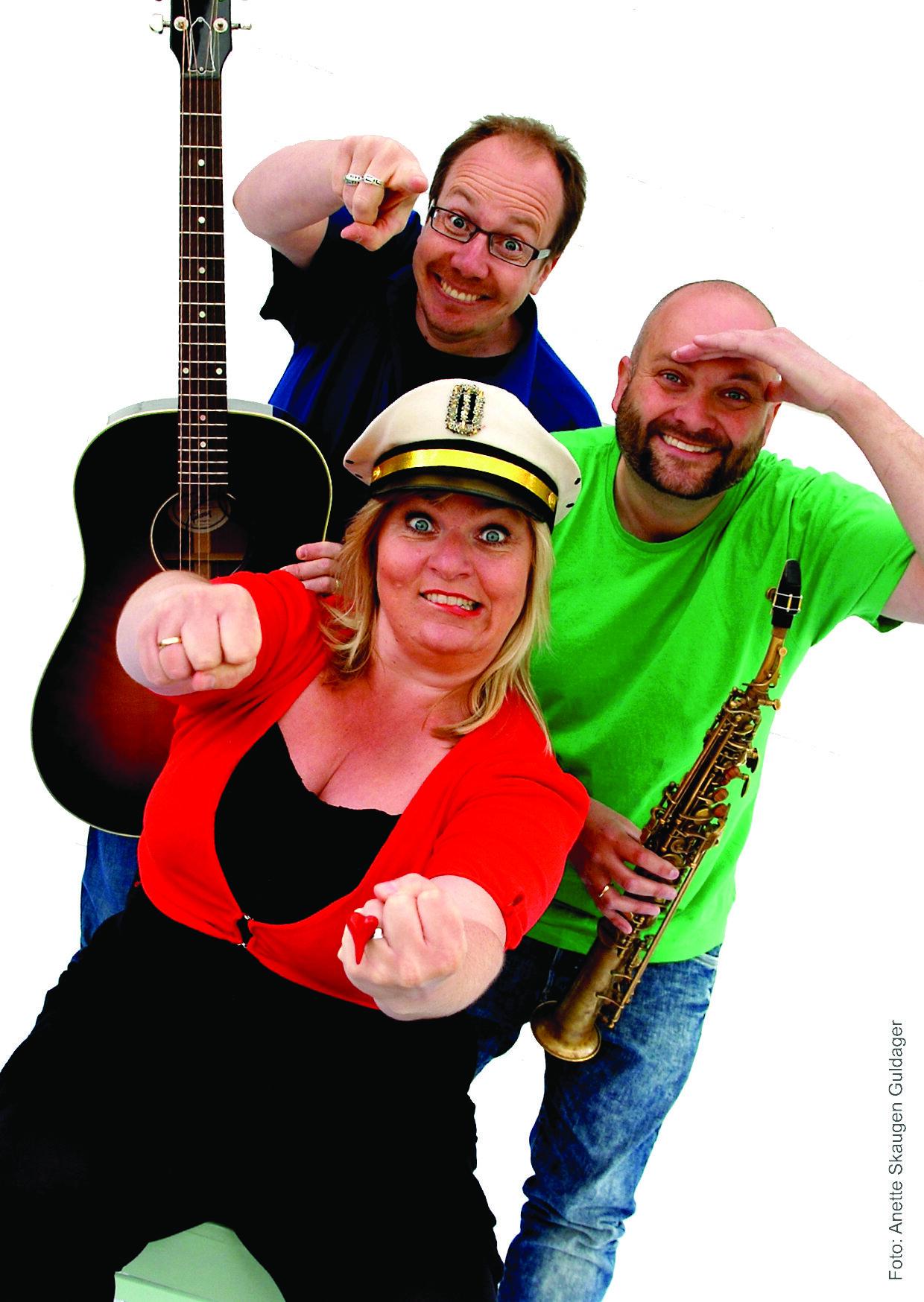 SMÅTING består av Erik Damberg - gitar, André Kassen - saksofon og Ingrid Nåvik Grønlund - sang. Foto: Anette S Guldager
