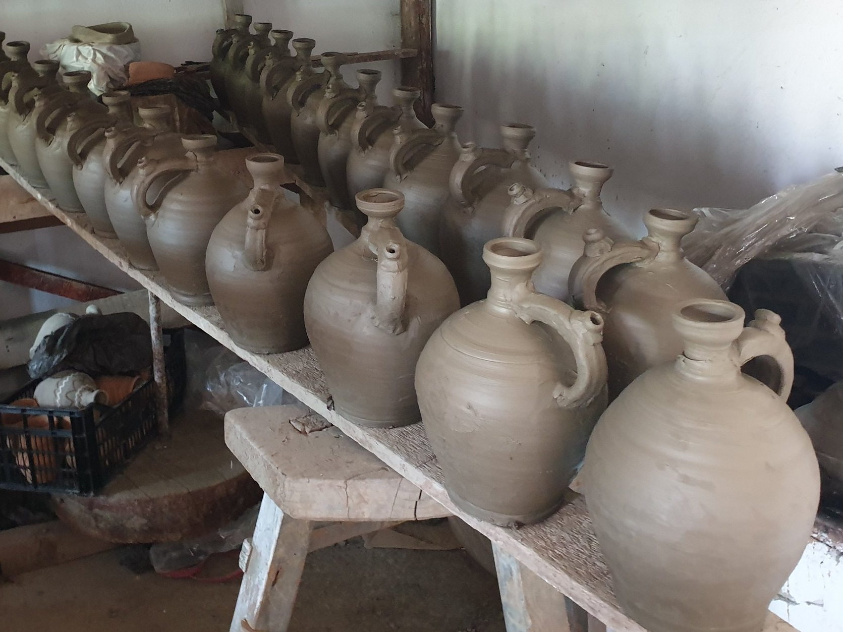 Pottery waiting to dry (photo credits Creative Pop Design)