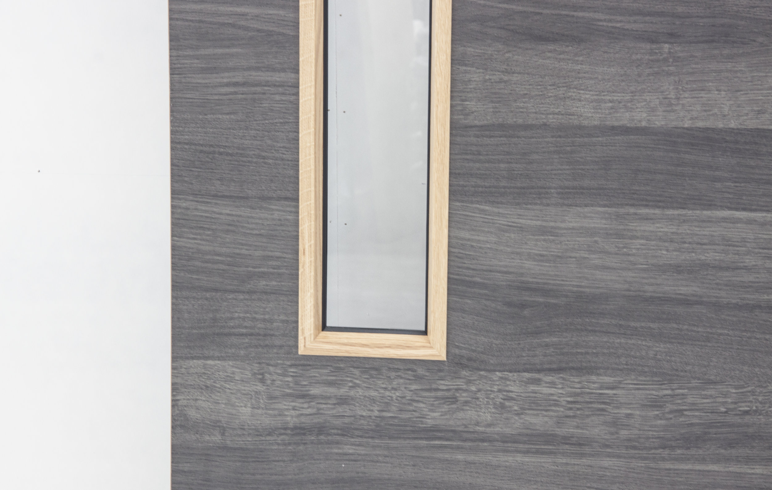 Horizontal Ebony Oak Cross laminate door