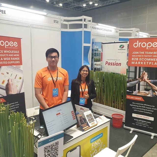Throughout last weekend, Dropsters have been proactively scouting budding young talents to join us in bringing digital transformation into the traditional supply chain industry. . Here are some photo snippets from last weekend happening at the Graduan Aspire event in KLCC. We were glad to be there! . #BeADropster #Dropee #B2BeCommerceMarketplace #WeAreHiring #funandnuturingenvironment #fastworkculture