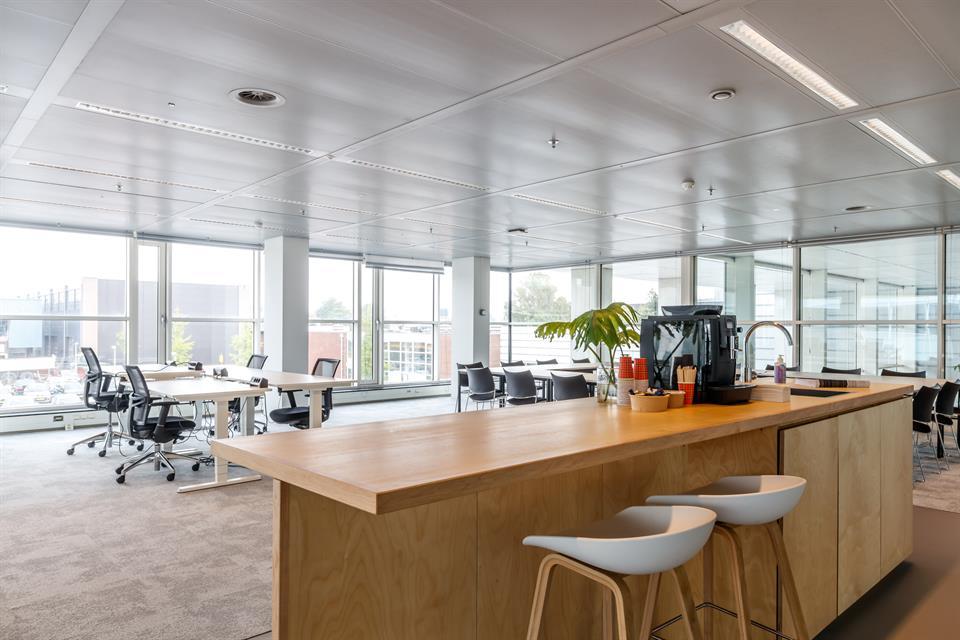 locatie utrecht - vergaderruimte / projectruimte 20 personen  €85,00 Per uur  EXCL. BTW