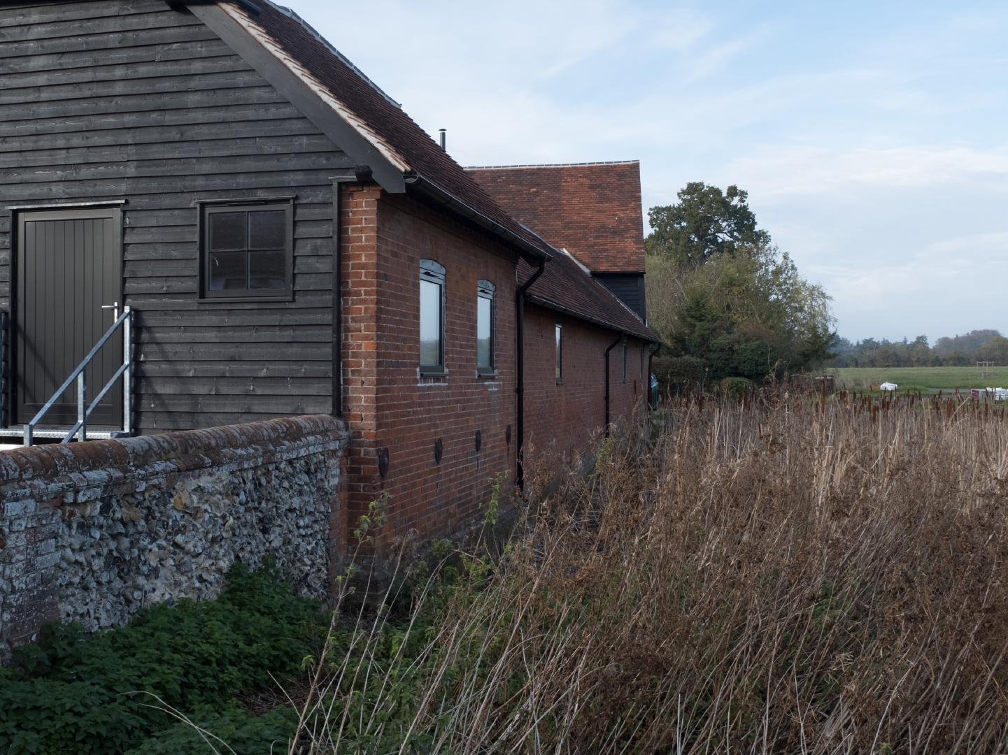 Woodside Farm Barns - Reflecting the environment
