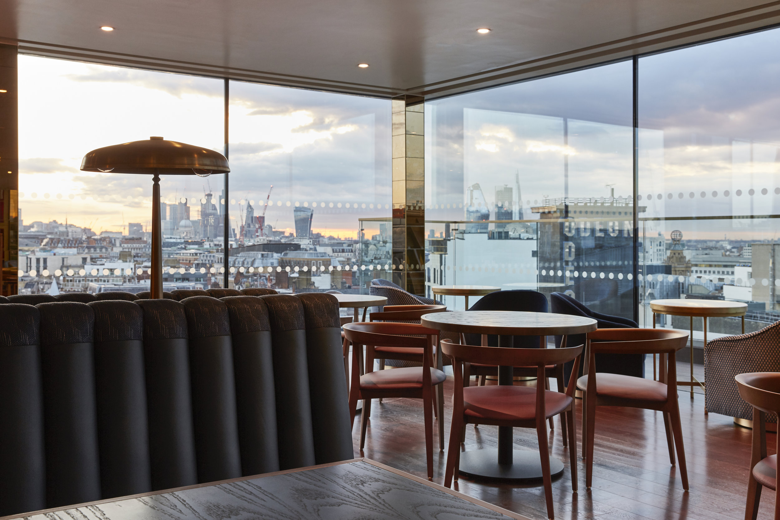 1 LEICESTER SQUARE ROOFTOP BAR AND RESTAURANT (1).jpg